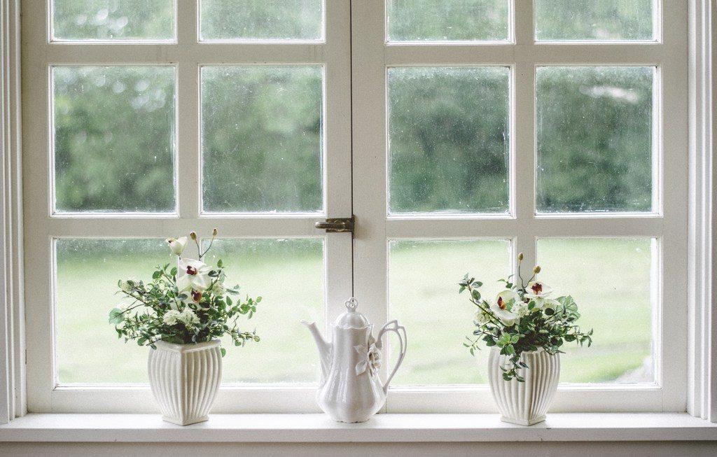 ventanas by nathan fertig (unsplash)