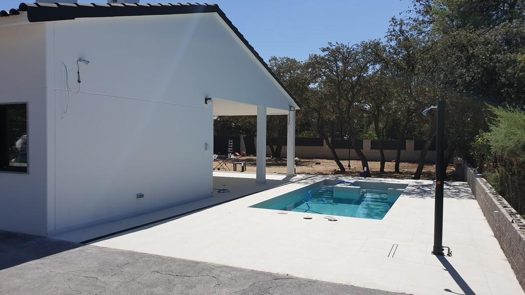 burgos-delantera con piscina
